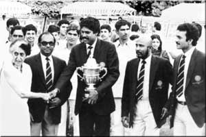 Indira Gandhi with 1983 World Cup Winner